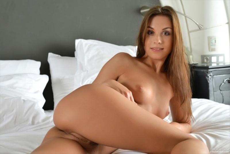 Glamorous Sabrisse Nude Photo 1